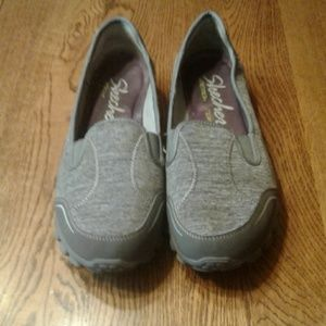 Woman's size 10 Skechers $ 10.00 # 778